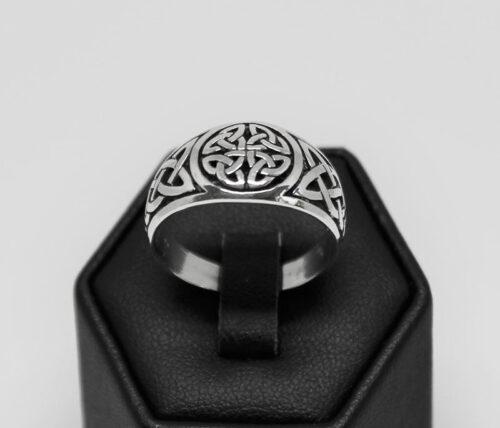 inel model celtic barbatesc