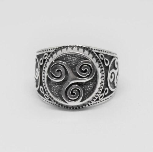 inel din argint cu model spirala